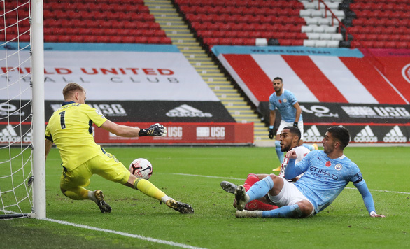 Walker 'nã đại bác' ghi bàn, Man City vượt ải Sheffield - Ảnh 2.