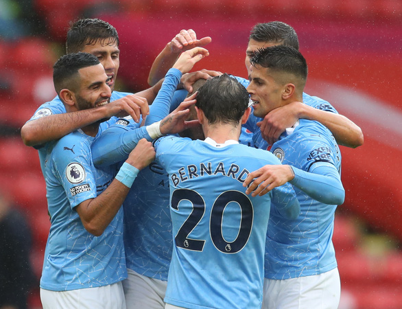 Walker 'nã đại bác' ghi bàn, Man City vượt ải Sheffield - Ảnh 1.