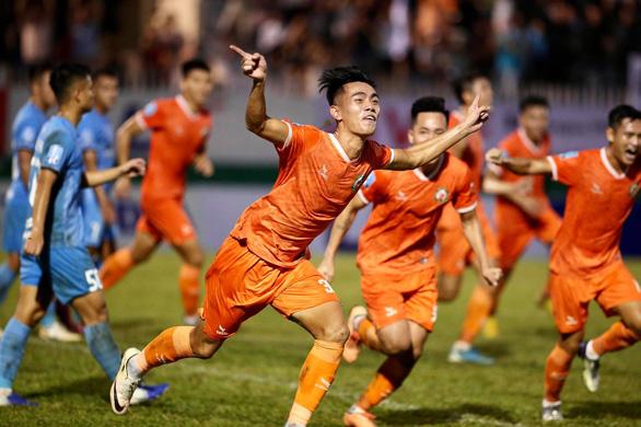 Bình Định đoạt vé thăng hạng V-League - Ảnh 1.