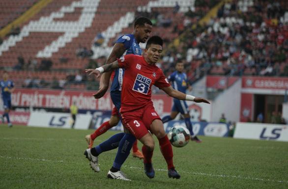 Nam Định xứng đáng trụ lại ở V-League - Ảnh 2.