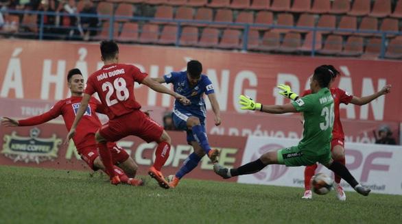 Nam Định xứng đáng trụ lại ở V-League - Ảnh 1.
