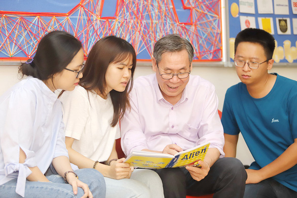 Nhìn lại quy trình, tiêu chuẩn xét giáo sư - Kỳ cuối: Chỉ nên bổ nhiệm người trực tiếp giảng dạy - Ảnh 1.