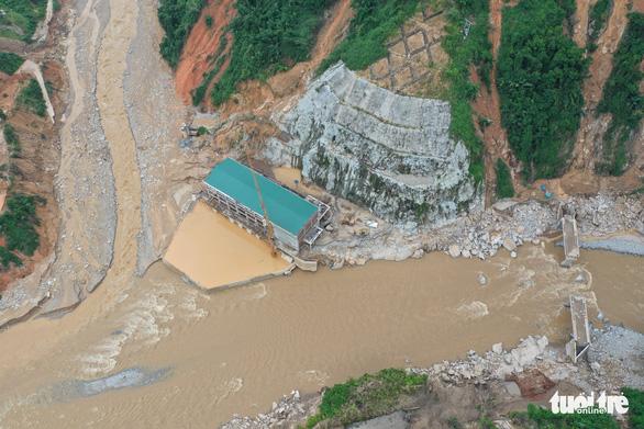 Vụ lở núi ở thủy điện Đắk Mi 2: Không tin còn sống trở về - Ảnh 1.
