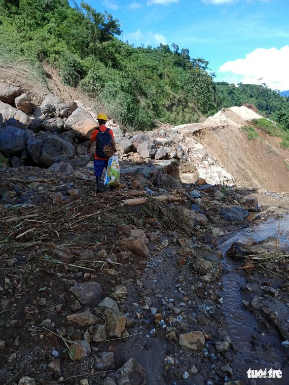 Vụ lở núi ở thủy điện Đắk Mi 2: Không tin còn sống trở về - Ảnh 6.