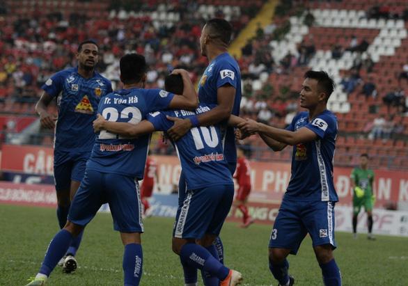 Nam Định xứng đáng trụ lại ở V-League - Ảnh 3.