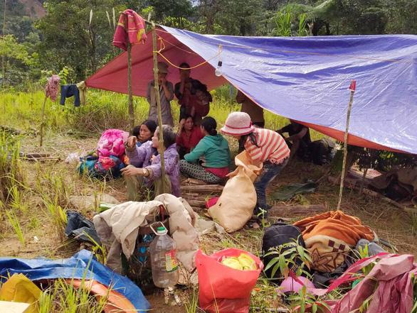 Vùng bị nạn Phước Sơn: dân đang cần tiếp tế lương thực, thực phẩm  - Ảnh 1.