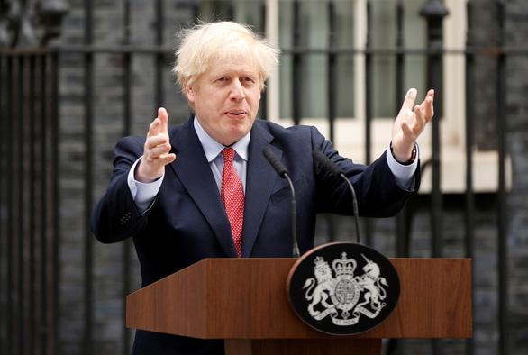 Ông Trump đòi xuất viện, thủ tướng Anh khuyên nên nghe lời bác sĩ - Ảnh 1.