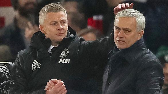 Vòng 4 Premier League: Cuộc chiến của hai người cùng khổ - Ảnh 1.