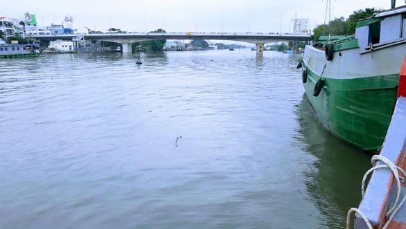 Thủ tướng chỉ đạo nâng tĩnh không các cầu thấp cản trở giao thông thủy - Ảnh 2.