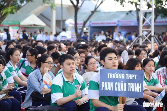 Điểm chuẩn vào Đại học Đà Nẵng tăng 2-4 điểm, cao nhất 27,5 điểm - Ảnh 1.