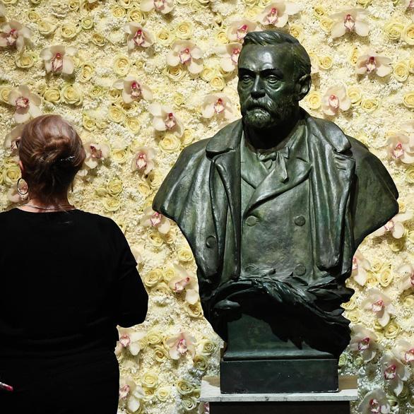 Chiều nay trao Nobel Y sinh, bắt đầu mùa Nobel 2020 - Ảnh 1.