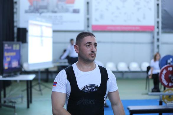 Nhà vô địch cử tạ Armenia thiệt mạng trong giao tranh ở Nagorno-Karabakh - Ảnh 1.