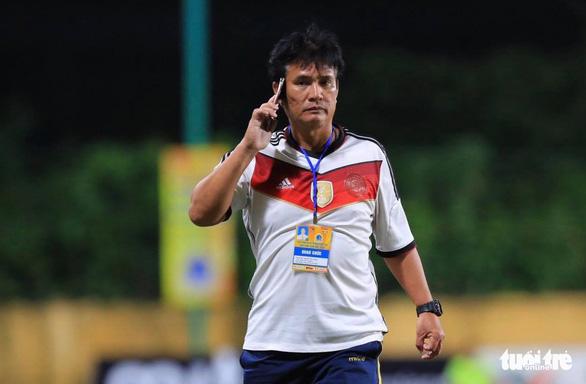 Cầu thủ nữ Phong Phú Hà Nam bỏ thi đấu để phản đối quyết định của trọng tài - Ảnh 4.