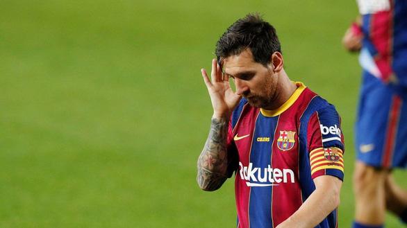 Barcelona lỗ ròng 2.600 tỉ đồng và nợ tăng gấp đôi - Ảnh 1.