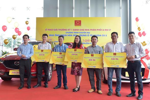 Tập đoàn Hoa Sen trao thưởng cho các nhà phân phối, đại lý trúng thưởng - Ảnh 3.