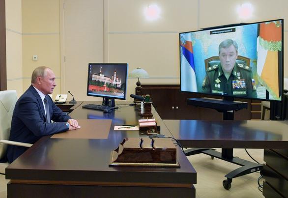 Nga phóng thử thành công tên lửa siêu thanh, mừng sinh nhật ông Putin - Ảnh 1.