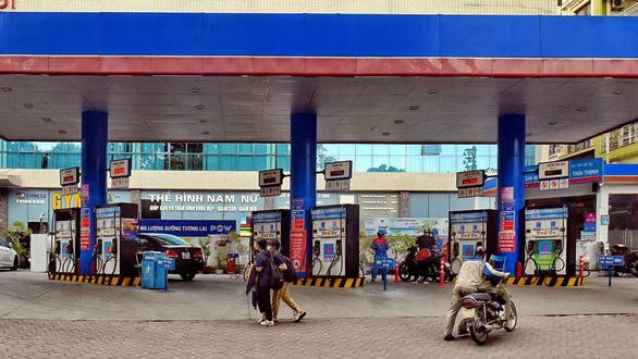 Mở cửa thị trường xăng dầu cho vốn ngoại, dân được lợi - Ảnh 2.