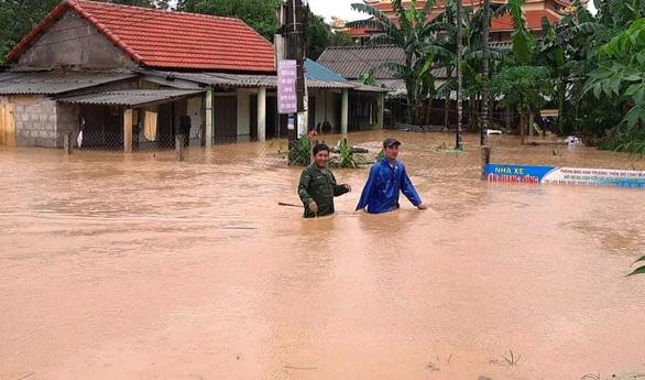 1 người chết, 8 người mất tích do mưa lũ ở Quảng Trị và Thừa Thiên Huế - Ảnh 1.