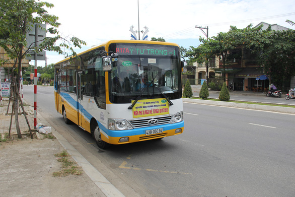 Xe buýt Quảng Nam - Đà Nẵng xin vào TP theo đường ven nội đô - Ảnh 1.