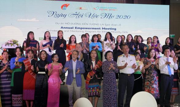 50 nữ sinh dân tộc thiểu số nhận học bổng Mở đường đến tương lai - Ảnh 5.
