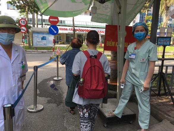 Việt Nam ghi nhận bệnh nhân COVID-19 thứ 1.100 có tiếp xúc gần với 4 bệnh nhân khác - Ảnh 1.