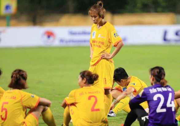 CLB Phong Phú Hà Nam bỏ trận đấu: Bài học về cách hành xử - Ảnh 1.