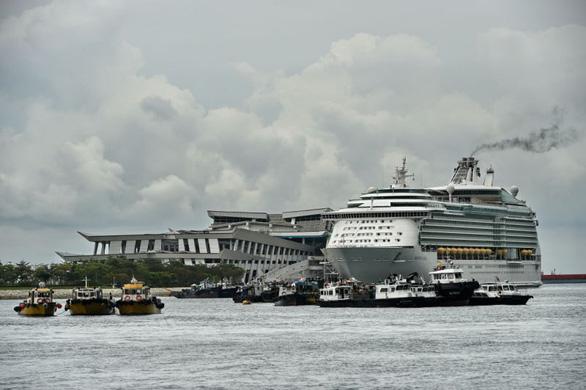 Singapore tổ chức tour ngắm cảnh bằng du thuyền để thúc đẩy du lịch - Ảnh 1.