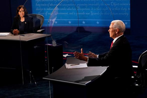 Cuộc tranh luận êm thấm, chuẩn mực của hai phó tướng Pence - Harris - Ảnh 1.