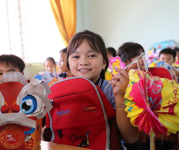 CapitaLand trao học bổng và quà cho hơn 1.400 học sinh - Ảnh 2.