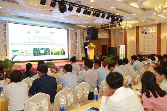 Bayer hỗ trợ 80.000 nông hộ nhỏ ứng phó dịch COVID-19 và hạn mặn - Ảnh 4.