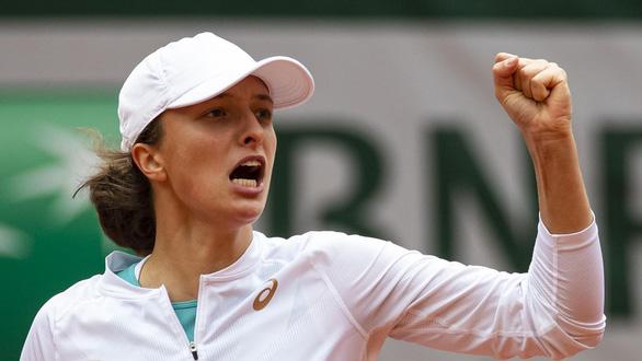 Vào chung kết Pháp mở rộng, tay vợt 19 tuổi Iga Swiatek đi vào lịch sử - Ảnh 1.