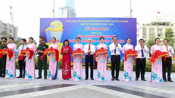 Khai mạc triển lãm chào mừng Đại hội Đảng bộ TP.HCM lần thứ XI - Ảnh 1.