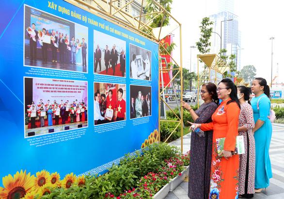 Khai mạc triển lãm chào mừng Đại hội Đảng bộ TP.HCM lần thứ XI - Ảnh 3.