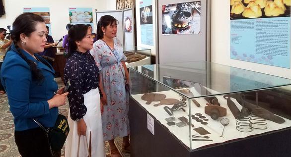 Khuôn bánh dân gian Nam bộ trở thành hiện vật bảo tàng - Ảnh 1.
