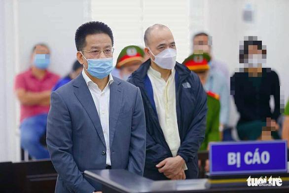 Nhận lãi ngoài từ OceanBank, cựu sếp PVOil lãnh 3 năm tù - Ảnh 1.