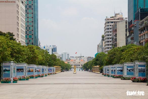 Cấm xe vào đường Nguyễn Huệ để phục vụ tổ chức Đại hội Đảng bộ TP.HCM - Ảnh 1.
