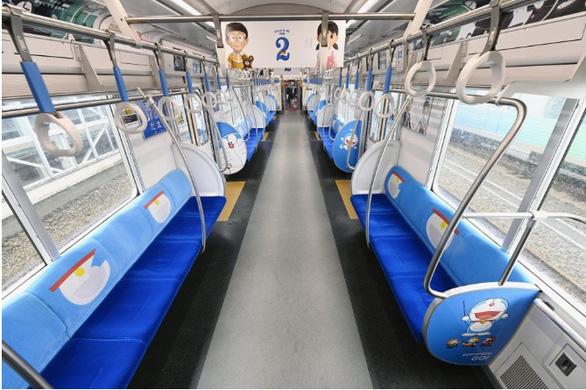 Tàu lửa Doraemon ra mắt mừng sinh nhật tuổi 50 của chú mèo máy thông minh - Ảnh 2.
