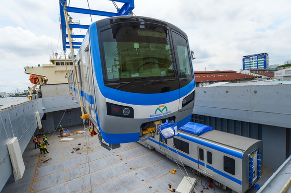 Cột mốc quan trọng tăng tốc đưa metro số 1 về đích - Ảnh 2.