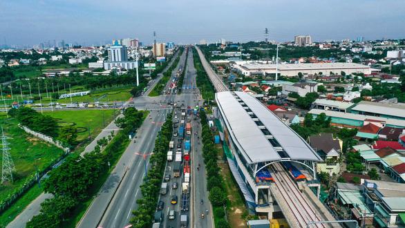 Phát triển hệ thống buýt gom để dân dễ tiếp cận metro - Ảnh 1.