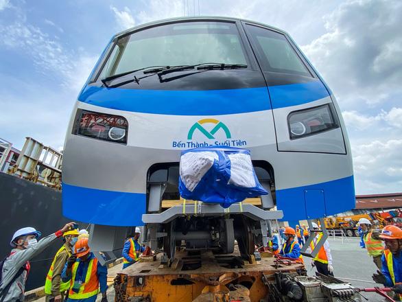 Cột mốc quan trọng tăng tốc đưa metro số 1 về đích - Ảnh 1.