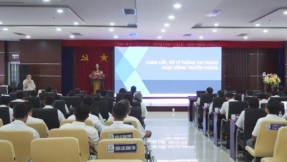 Công ty Điện lực Vĩnh Long tập huấn công tác văn hóa doanh nghiệp và hoạt động truyền thông - Ảnh 2.