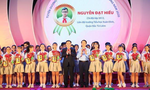 Bí thư Thành ủy Hà Nội: Kiên quyết đấu tranh, xử lý nghiêm hành vi xâm hại trẻ em - Ảnh 1.