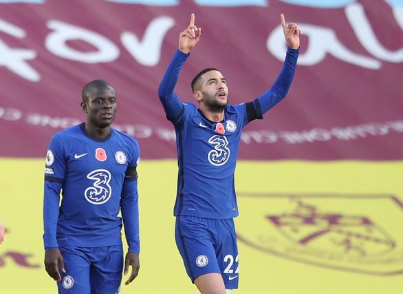 Premier League sáng 1-11: Chelsea đại thắng, Liverpool chiếm ngôi đầu bảng - Ảnh 1.