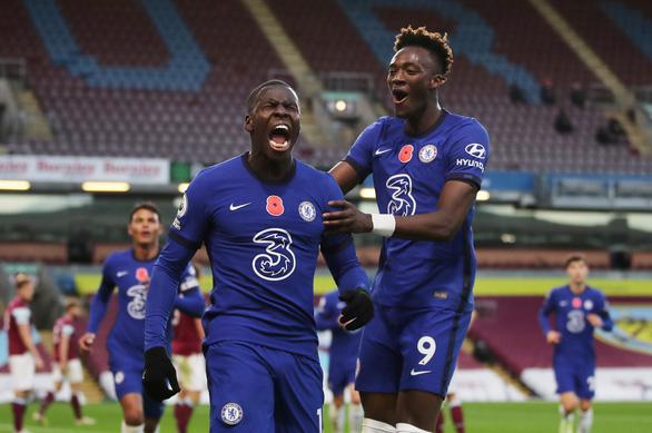 Premier League sáng 1-11: Chelsea đại thắng, Liverpool chiếm ngôi đầu bảng - Ảnh 2.