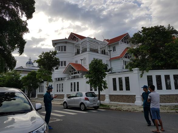 Nguyên bí thư Thành ủy Nha Trang bị người lạ tấn công ngay tại nhà - Ảnh 2.
