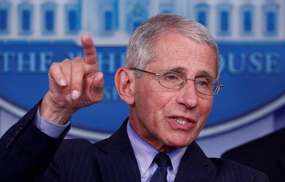 Nhà Trắng chỉ trích bác sĩ Fauci vì chỉ trích chính quyền 3 ngày trước bầu cử - Ảnh 1.