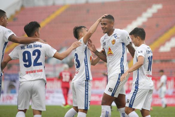 Quảng Nam ngày trở lại V-League còn xa - Ảnh 2.