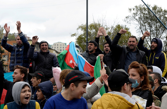 Armenia, Azerbaijan ký thỏa thuận 'đình chiến hoàn toàn' - Ảnh 1.