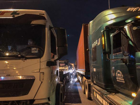 TP.HCM: đường vào cảng ùn tắc, chờ giải bài toán hạ tầng - Ảnh 7.