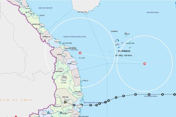 Bão Vamco mạnh lên cấp 13, giật cấp 16 trước khi vào Biển Đông - Ảnh 2.